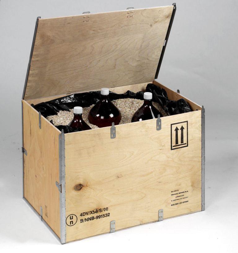 Caisse-UN-avec-bouteilles