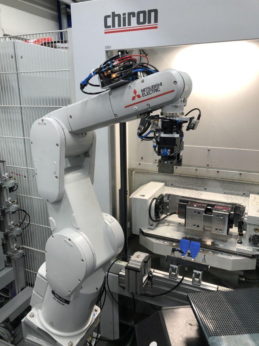 Werkzeugmaschinenbestückung mit Roboter