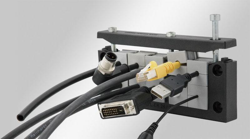 Kabeleinführung für Leitungen mit Stecker