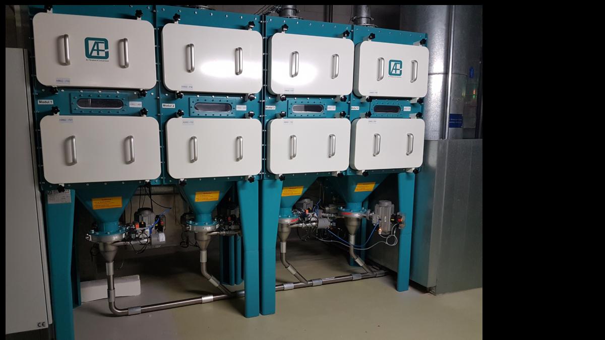 Zentrales Staubaustragungssystem mit Endlosschlauch